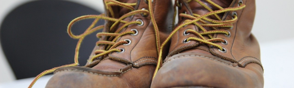 TIPS FOR CHOOSING SAFETY FOOTWEAR